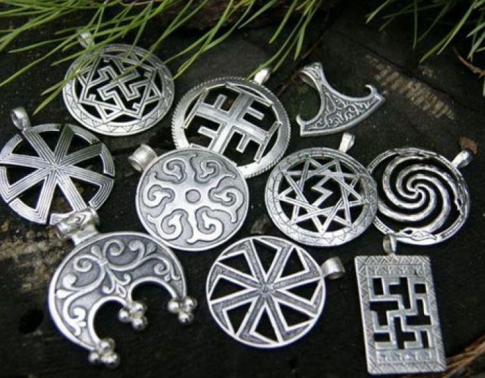 Серебряные амулеты